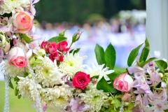 Blumengirlande-Wedding-opulent-weiß-rosa-flieder-pink-M