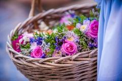 Korb-mit-Blumensträußchen-bunt-M