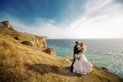 Brautpaar-an-Stelküste-L