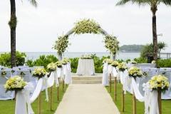 Wedding-Setup-Wiese-opulent-weiß-M